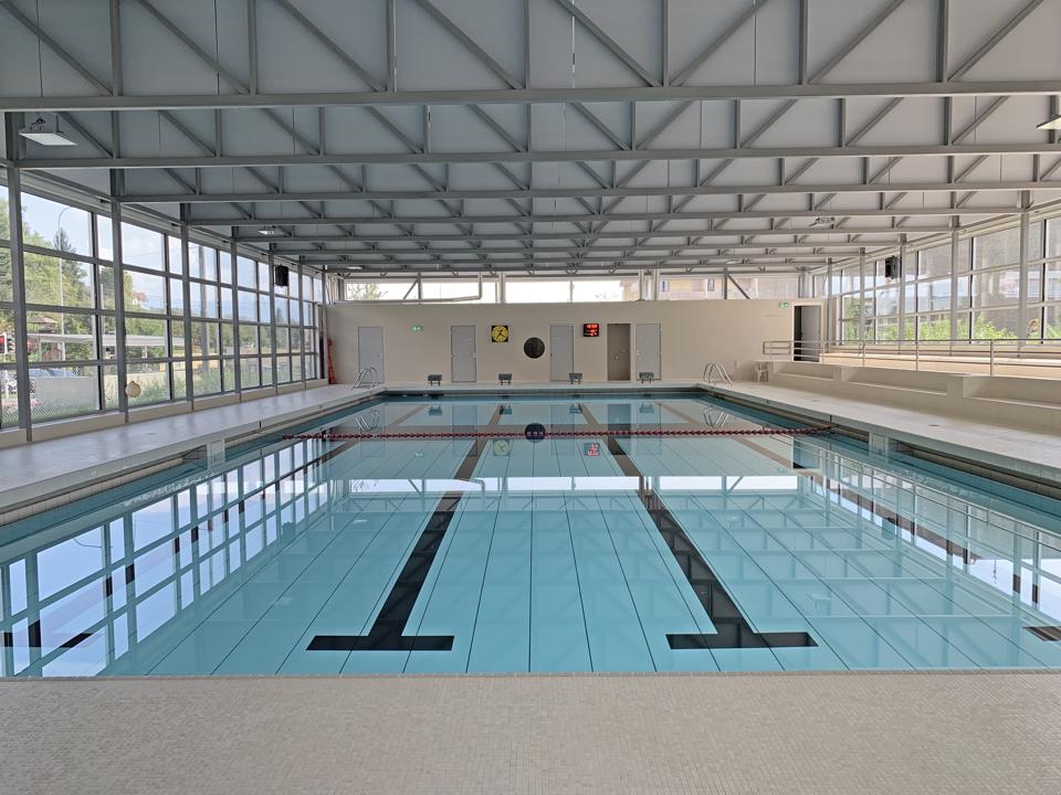 La piscine et le gymnase rénovés.