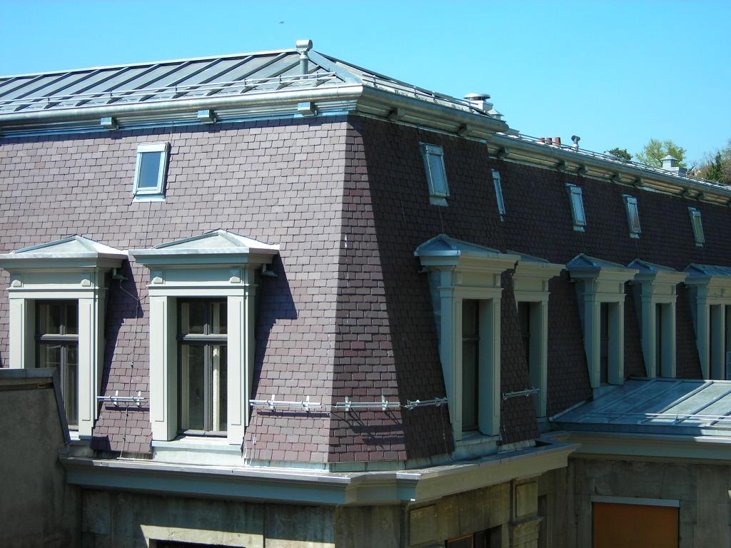 La toiture de l'ancienne PMU : Vue du dessus