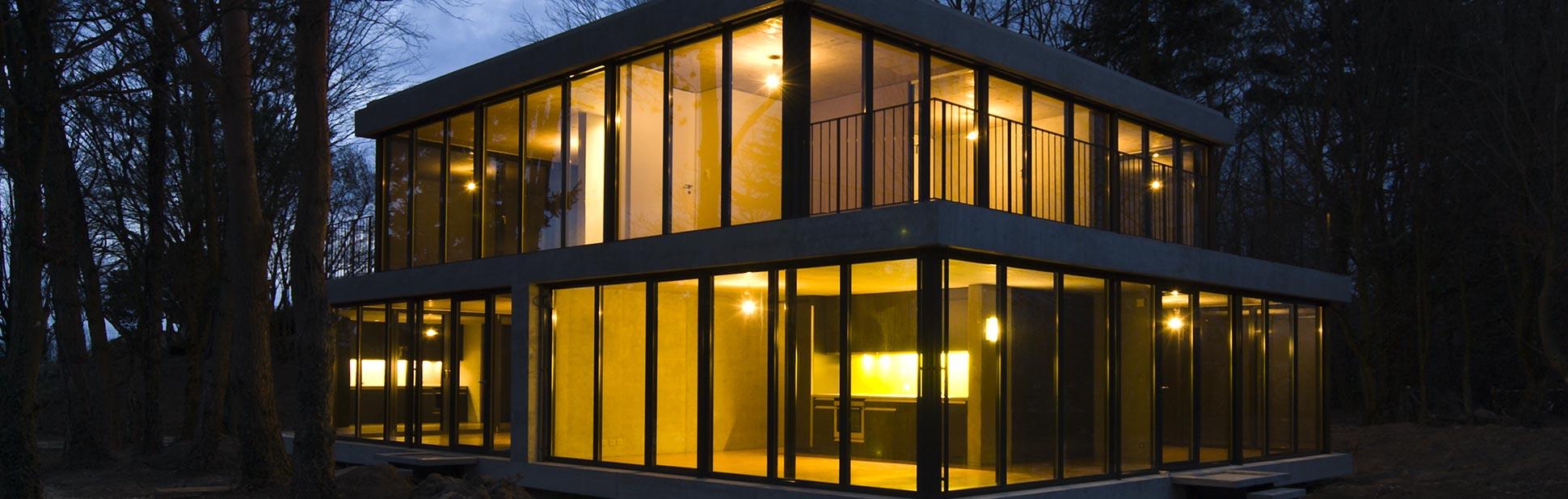 Maison Eco : Vue Extérieure de nuit